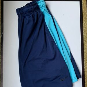 Nike Men's Dri Fit Athletic Shorts Size Medium